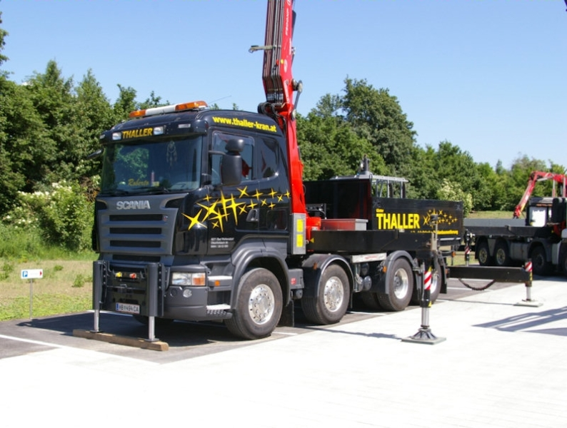 lkw mit ladekran teil 5 scania r thaller mitteregger 290708 00. Black Bedroom Furniture Sets. Home Design Ideas