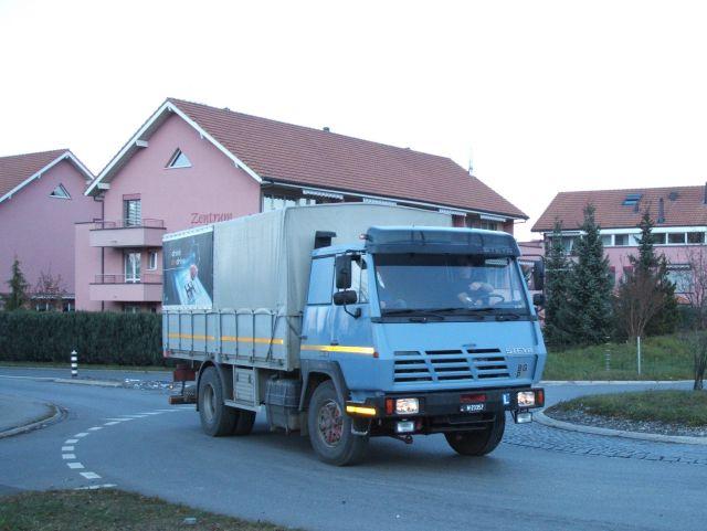 Steyr-fahrschule-schweizer-armee-minnig-231205-01. - christoph