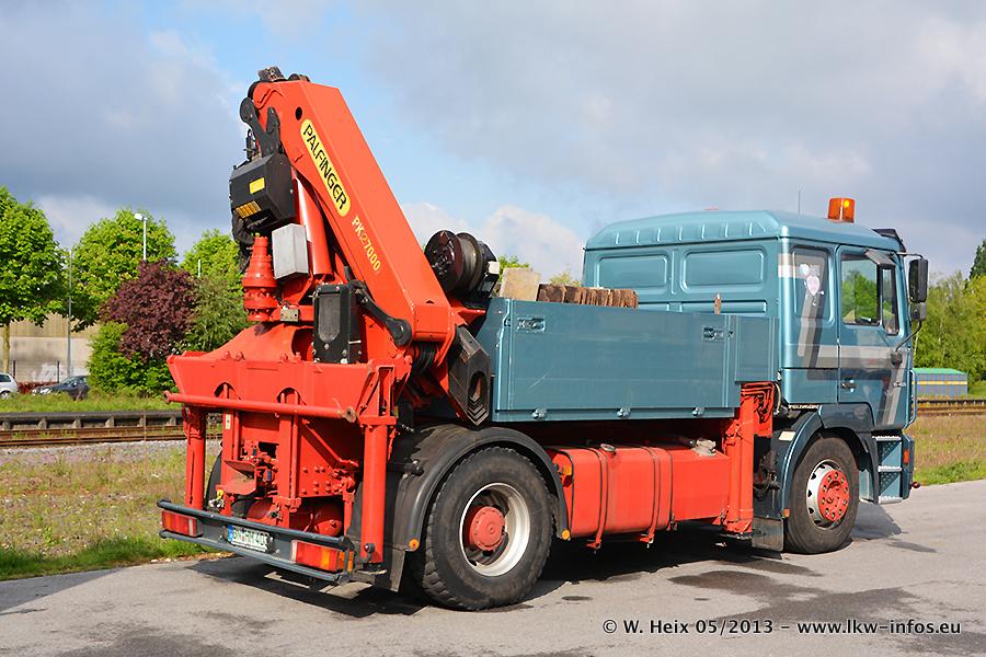 Schaustellerfahrzeuge-20130512-018.jpg