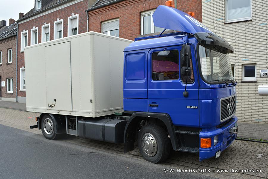Schaustellerfahrzeuge-20130515-021.jpg