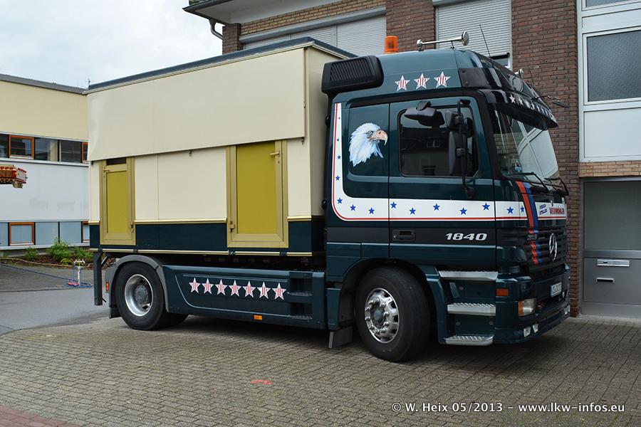 Schaustellerfahrzeuge-20130515-091.jpg