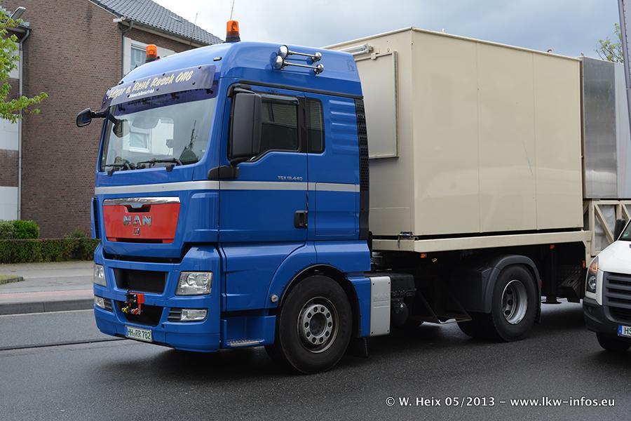 Schaustellerfahrzeuge-20130515-104.jpg